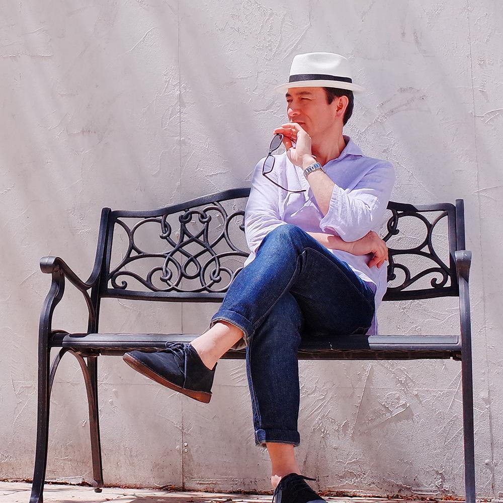 選び方のポイント3「帽子を被り慣れる・自分の帽子姿を見慣れる」